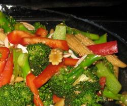 Téli zöldségsaláta és a csodabrokkoli